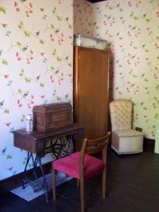 Back Bedroom 270915 (10)