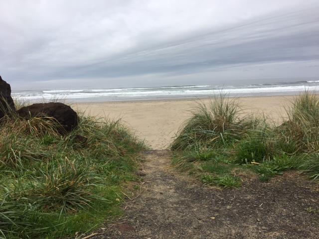 2016-lll-cloudy-beach