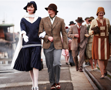 Utterly gratuitous photo of Phryne with Dr. Mac, out for a stroll (source)