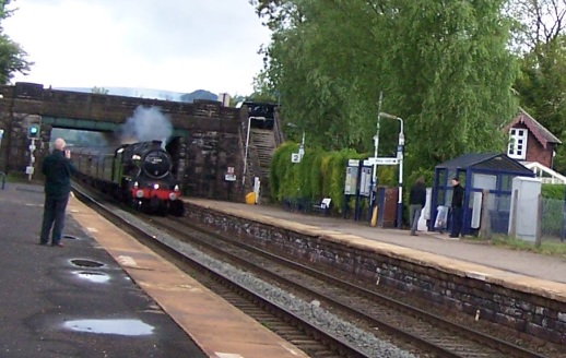 steam-train-bamford-station-300515