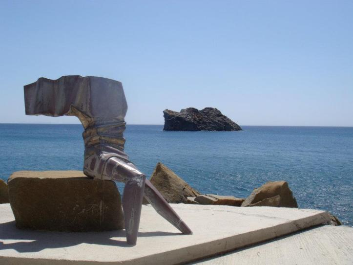 statue dedicated to the arts in Lesbos